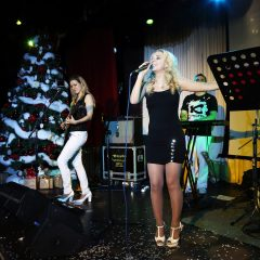 Артисты кавер группы на Новогоднем празднике